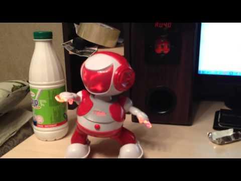 Видео: РОБОТ- танцор, танцует в ритм