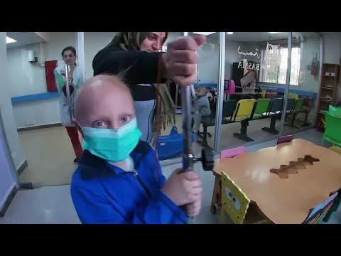 مع نقص الدواء   منظمة توفر دعما طبياً ونفسياً لأطفال سوريين مصابين بالسرطان  - 12:00-2019 / 12 / 11