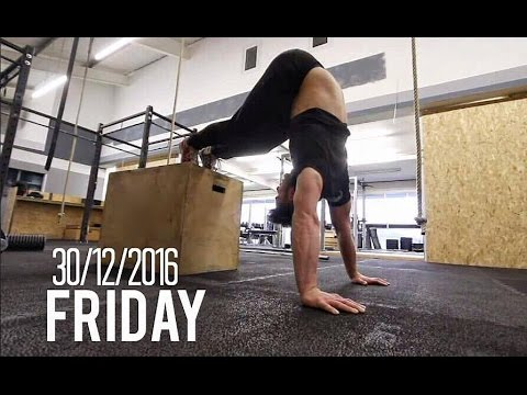 HOW TO GET YOUR FIRST HANDSTAND PUSH UP