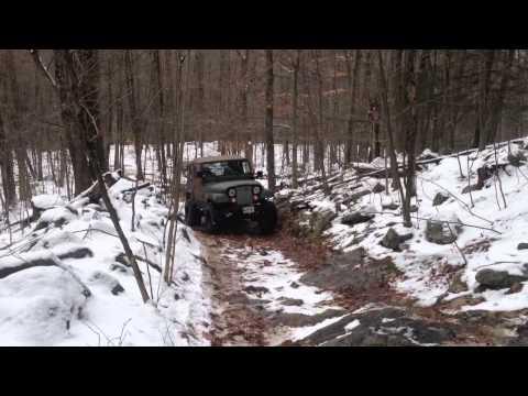 Cummins 4bt jeep cj7 in the trails