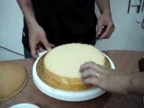 Chia bánh thành 3 lớp