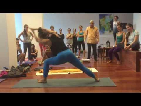 Ramaswami teaching Utthita Parsvakonasana