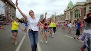 Танцы на улице русский флешмоб(, 2015-05-10T15:46:15.000Z)