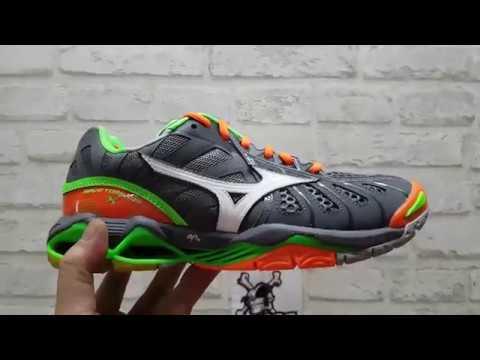 Sepatu Voli Mizuno Wave Tornado X V1GA 161206 Grey - YouTube ede973ade4