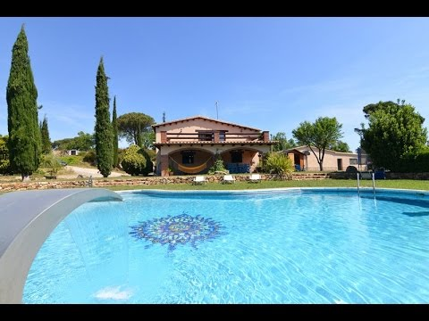 Belle villa avec piscine priv e un magnifique jardin youtube - Belles piscines privees ...