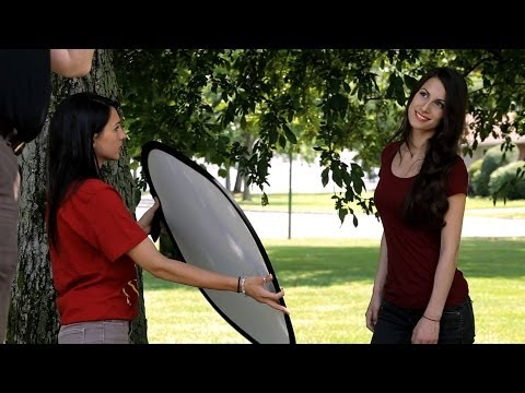 How to Pose People for Outdoor Portrait | Portrait Photography