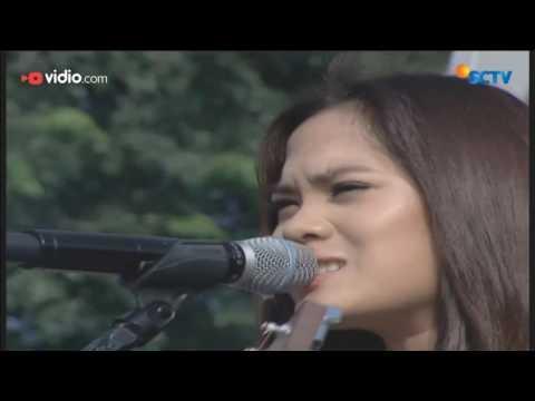 Sheryl Sheinafia - Kutunggu Kau Putus (Live on Inbox)