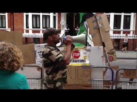 Demonstration outside the Ecuadorian embassy to free Julian Assange