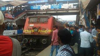 Video Sampoorna Kranti Express Arrival in Patna Railway Station Bihar download MP3, 3GP, MP4, WEBM, AVI, FLV September 2018
