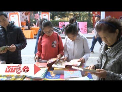 Teen Hà thành tìm sách ngày đầu Xuân | VTC