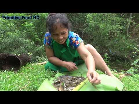 Survival Skills – Primitive Cooking Shrimp – Primitive Technology – Catch shrimp – Eating delicious