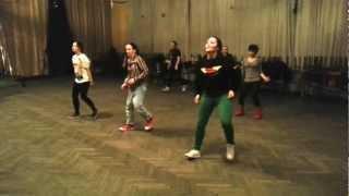 Репетиция танца Gangnam Style к флэшмобу (под музыку)