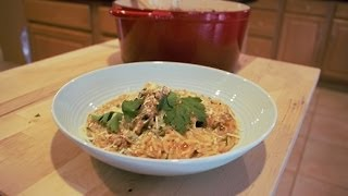 chicken with orzo in a light tomato sauce chicken youvetsi dimitras dishes episode 6