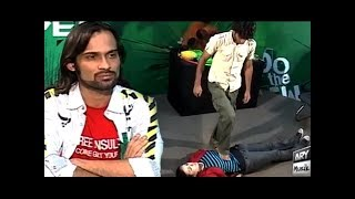 Waqar Zaka Larki Ko Diya Aesa Dare Shayd Hi Koi Larki Kar Pai - Living On The Edge