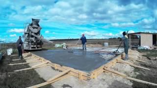 Заливка бетона. УШП(Заливка бетона на фундамент утеплённой шведской плиты. Бетон марки М350., 2015-11-09T15:29:19.000Z)