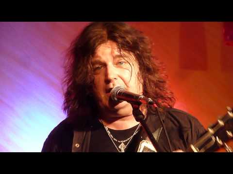 "Tom Gillam Band ""Good for You"" - live @ Wunderbar Weite Welt, Eppstein, Germany, Nov. 2012"