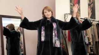 видео Как носить цветной мех