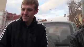 АНТИ СтопХам  Екатеринбург, задержали за порчу имущества СтопХам сам сдирает свои наклейки(АНТИ СтопХам Екатеринбург, Стопхам сам сдирает свои наклейки., 2014-05-10T22:32:23.000Z)
