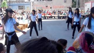 Makimsan ortaokulu 6B sınıfı 23Nisan  gösterisi policeman dansı