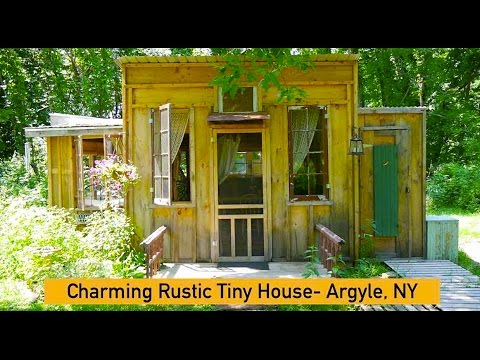 """Charming Rustic Tiny House"" in Argyle, NY (On an Organic Homestead)"