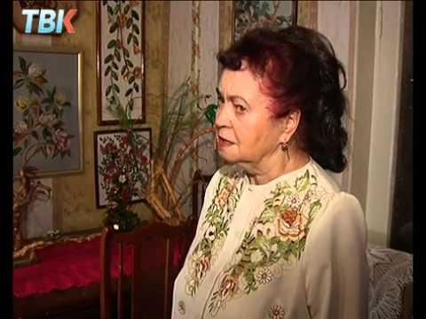 Пенсионерка из Липецка научилась делать картины из мусора