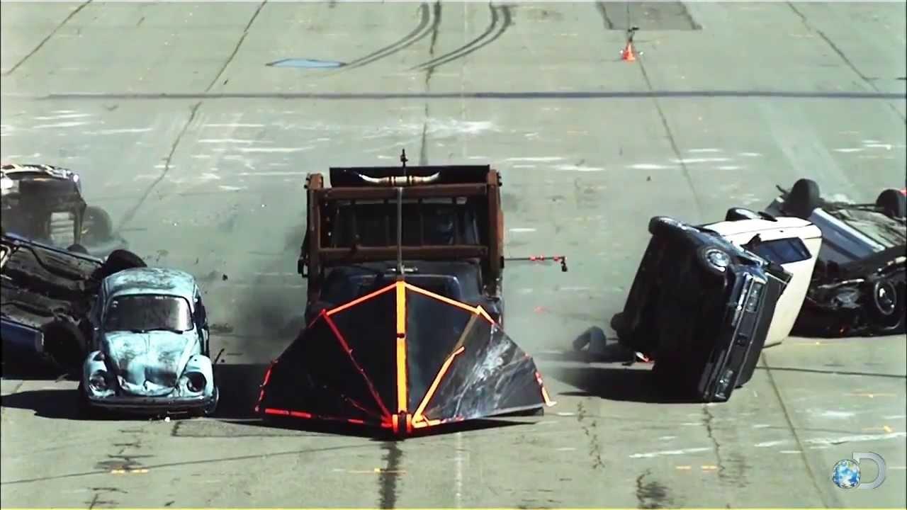 MythBusters Epic Car Split - YouTube
