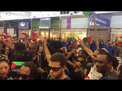 Manifestation Kemi Seba Carrefour Martinique