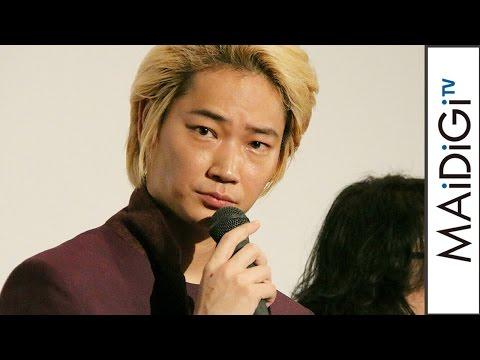 """綾野剛、舞台あいさつで急きょMCに """"何でも屋""""役さながらの司会ぶり見せる 映画「リップヴァンウィンクルの花嫁」初日舞台あいさつ1 #Go Ayano #event"""