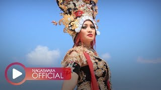 Video Fitri Carlina - Lungset Makk (Official Music Video NAGASWARA) #music download MP3, 3GP, MP4, WEBM, AVI, FLV Oktober 2018