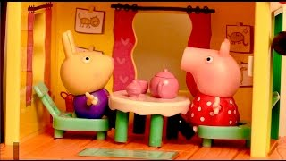 Peppa Pig Surprise Treehouse George's Fort Playset