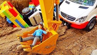경찰차 구출놀이 도와주기 포크레인 중장비 자동차 트럭놀이 Police Car Toy Rescue