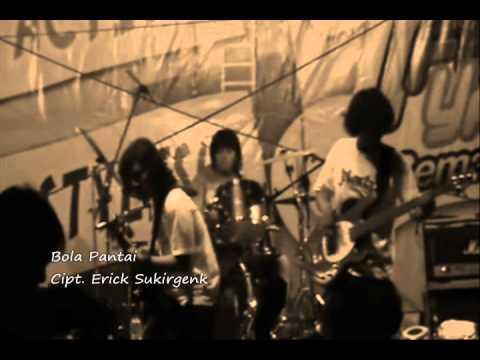 SukirGenk - Bola pantai clip.wmv