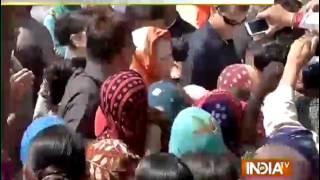 Sonia Gandhi Meets Farmers at Haryana's Bhiwani Village - India TV
