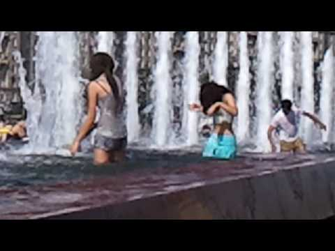 Girls in moscow fountain 2