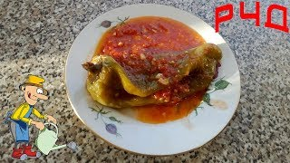 Жареный болгарский перец на сковороде в томатном соусе