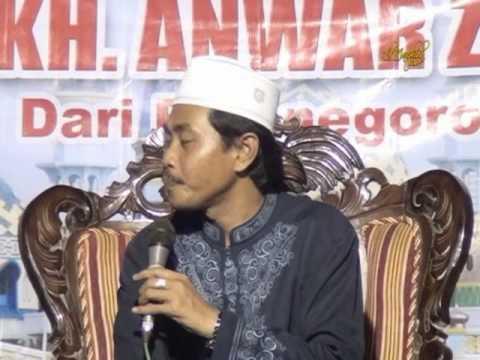 KH  Anwar Zahid Plumpang Juni 2013