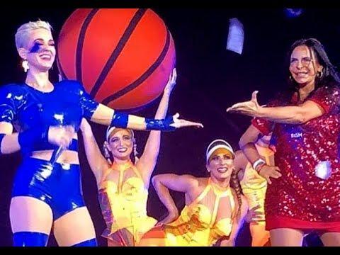 Gretchen faz participação no show da Katy Perry em São Paulo