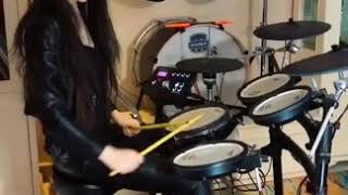 Beautiful girl with Drum - Nhuộm Máu Bến Thượng Hải