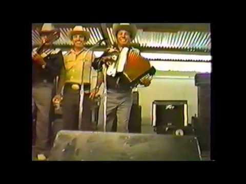 Los Tremendos Gavilanes - En Vivo (1988)