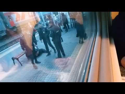 В Волгограде с поезда Саратов - Адлер сняли пассажира 4 ноября 2019 года