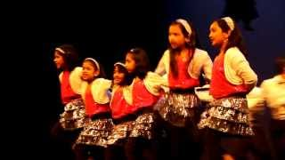 Zoobi Doobi  3 Idiots dance by Eshi Team