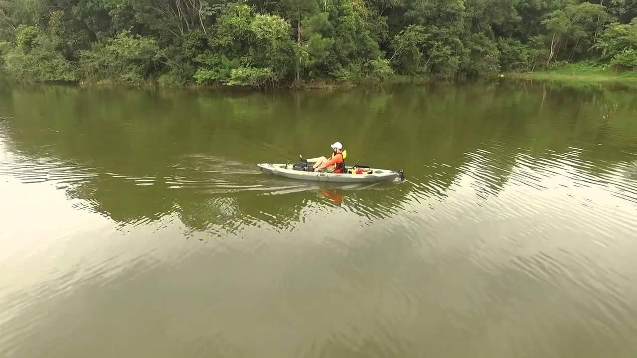 caiaque caiman com motor pedal ou remo lan amento hidro2eko 2016 kayak fishing leogafanha. Black Bedroom Furniture Sets. Home Design Ideas