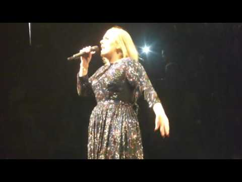 Adele - Hello 7/11/16 United Center Chicago, IL