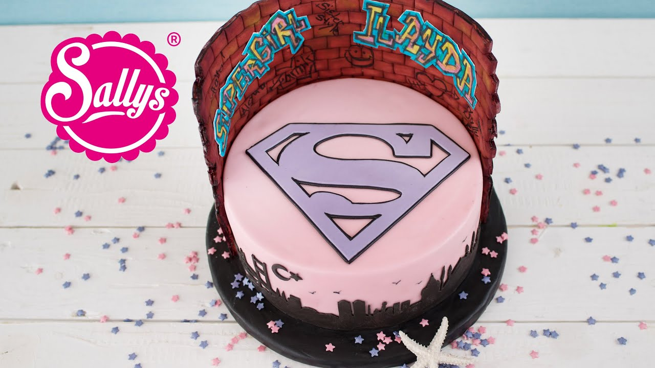Supergirl Torte Fur Ilayda Fondanttorte Schokoladentorte