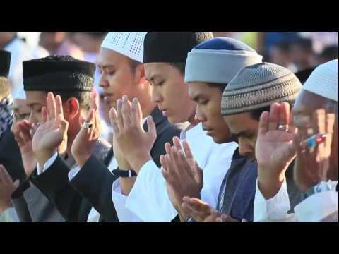 Muzammil Hasballah Terbaru 2016!! Shalat Iedul Adha Singaraja Bali Surat Arrahman Full