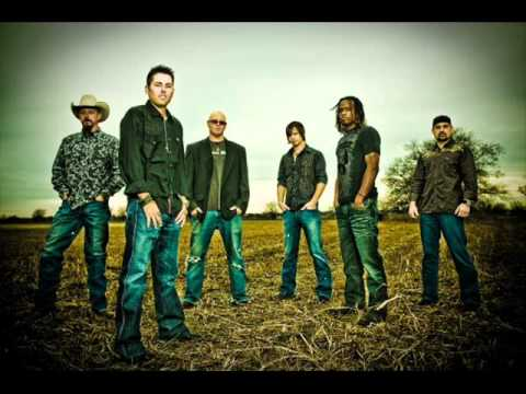 Casey Donahew Band - Fallen (with lyrics)