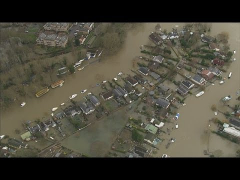 UK Floods : The views from above - video