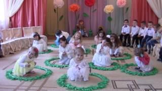"""Свято до Дня матері, молодша група ДНЗ """"Веселка"""", Кіцмань"""