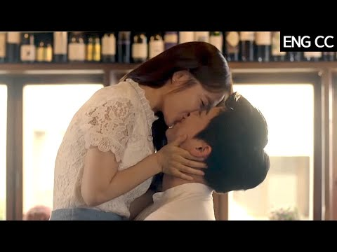 (ENG/SPA/IND) [#XKisses] Bo Young ♥ Jung Suk, Sweet Kiss And Bed Scene | #OhMyGhost | #Diggle