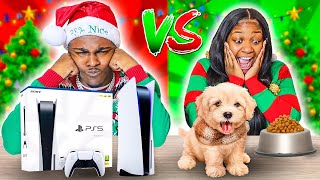 CHEAP VS EXPENSIVE CHRISTMAS PRESENTS CHALLENGE 🎁 | VLOGMAS